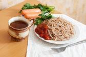 Yemek masasında — Stok fotoğraf