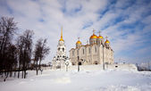 Uspenskiy cathedral at Vladimir in winter — Stock Photo