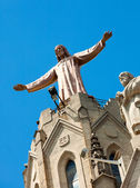 Sculpture of Jesus on emple of Sagrat Cor at Tibidabo — Stock Photo