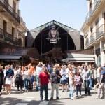 Main gate at La Boqueria market in Barcelona — Stock Photo #30995023