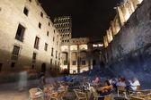 バリオ gotico でミラの夜景 — ストック写真