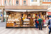 Chiosco con dolci a la rambla — Foto Stock