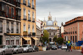 Traffic at spanish street in Madrid, Spain. — Stock Photo