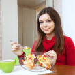 Girl divided lunch to lose weight — Stock Photo #32307907