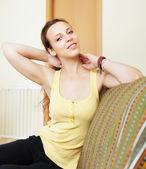 Kobieta o ból w szyi — Zdjęcie stockowe