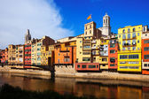 Picturesque houses on the river bank. Girona — Stock Photo