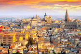 Dawn view of Toledo — Stockfoto