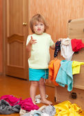 Baby girl at wardrobe — Foto Stock