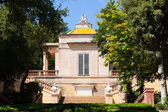Neoclassical pavilion at Parc del Laberint de Horta — Stock Photo