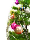 Närbild av gran julgran på vit bakgrund — Stockfoto