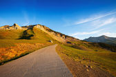 Road in mountain pass — Stock fotografie