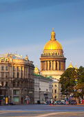 Saint Isaac's Cathedral in summer — Stock Photo