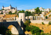 Puente de Alcantara in Toledo. Spain — Stock Photo