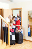 The Family Meeting. Family arrived to visit relatives — Stock Photo