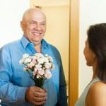 Woman meeting her mature man — Stock Photo #38694495