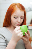 Girl gargling throat in home — Stock Photo