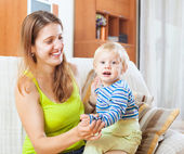Portrait of happy mom and child — Stock Photo