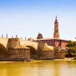 Stone Bridge in Zaragoza. Aragon — Stock Photo #40793121