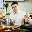 Man at home kitchen — Stock Photo