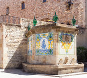 Old fountain at Gothic Quarter. Barcelona — Stock Photo