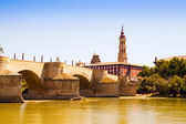 Stone Bridge in Zaragoza. Aragon — Stock Photo