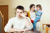 口論の 2 人の子供のカップルします。 — ストック写真