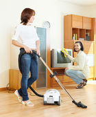 Couple doing housework — Stok fotoğraf