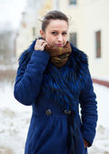 Portrait of  girl at wintry street — Stock Photo