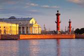 Espeto da ilha vasilievsky manhã de verão — Foto Stock