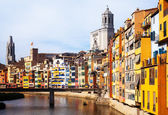View of river and houses in Girona — Stock Photo