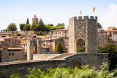 Antique medieval town with old gate — Photo