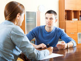 Man  questionnaire for social worker — Foto Stock