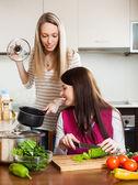 women cooking food — Stock Photo