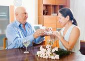 Senior couple having romantic date — Stock Photo