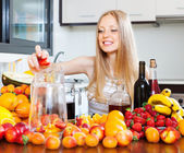 woman making fruits beverages with wine  — Stock Photo