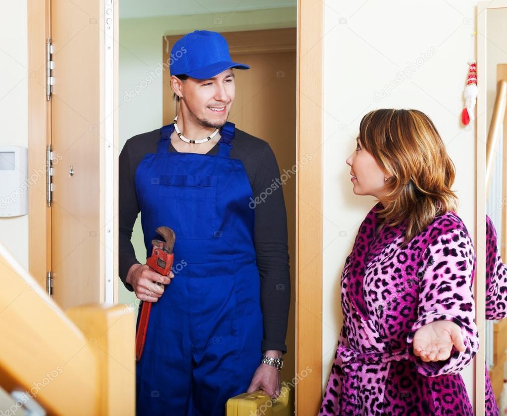 Сантехник и девушка 18 фотография