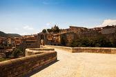 Way to medieval town Besalu — Stock Photo