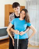 Girovita misura ragazzo della ragazza — Foto Stock