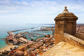 Vieux château sur le port d'alicante — Photo