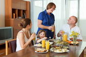 Multigeneration family communicate — Stock Photo