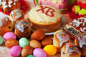 Easter cakes and eggs   — Stock Photo