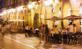 Street with restaurants in night. — Stock Photo