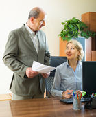 Two senior colleagues in office — Stock Photo