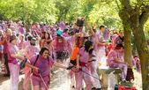 Happy people during Batalla del vino — Stockfoto