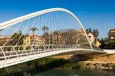 Do cume sobre o rio segura chamado puente de vistabella — Foto Stock