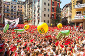 Crowd waiting the opening of San Fermin festival — Stock Photo