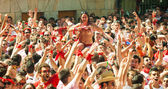 People waiting the begining of San Fermin festival — Stock Photo