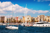 Port Vell and  Barceloneta district. — Stock Photo