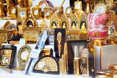 Gilded tourist souvenirs  in Toledo — Stockfoto