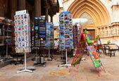 Venta de postales catedral — Foto de Stock